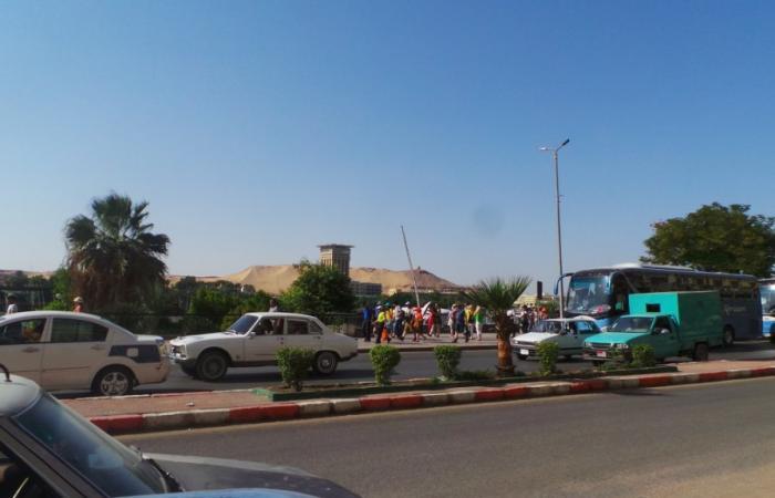 بالصور.. انتعاش الحركة السياحية بأسوان عقب وصول 700 سائح أجنبى