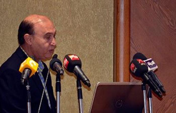 بالصور.. مهاب مميش: ندرس توسعات بموانئ بورسعيد والسخنة للتعامل مع تطور التجارة البحرية