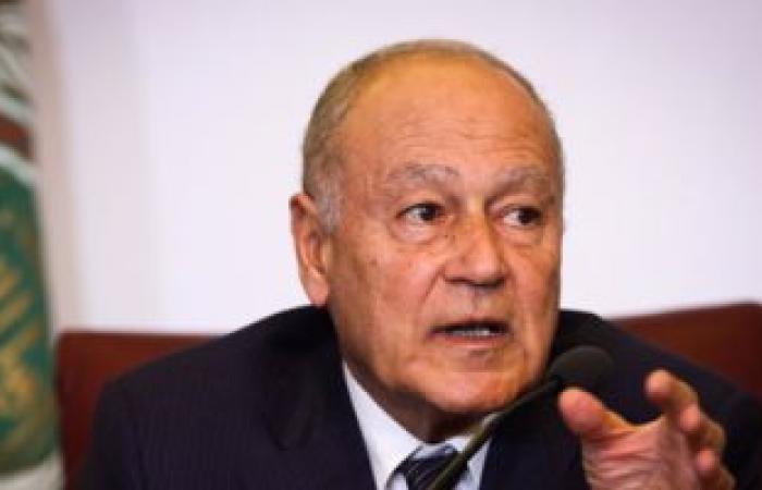 وزير الخارجية اليمنى يلتقى أمين عام الجامعة العربية لبحث الأوضاع باليمن