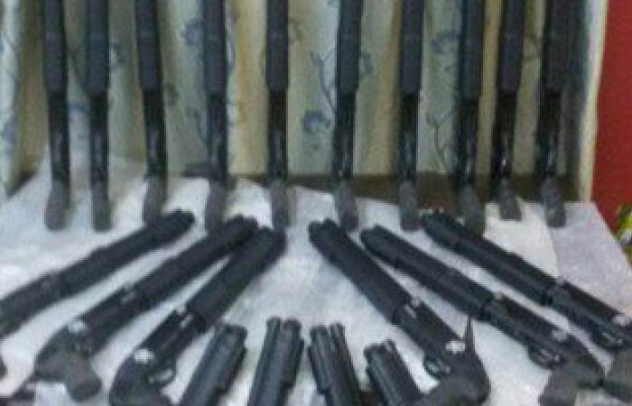 ضبط 28 عاطلا بحوزتهم 9 أسلحة نارية و1877 قرصا مخدرا وحشيش بالقليوبية