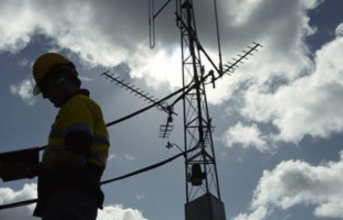 عودة الاتصالات الأرضية واللاسلكية بعد انقطاعها 7ساعات عن مطروح