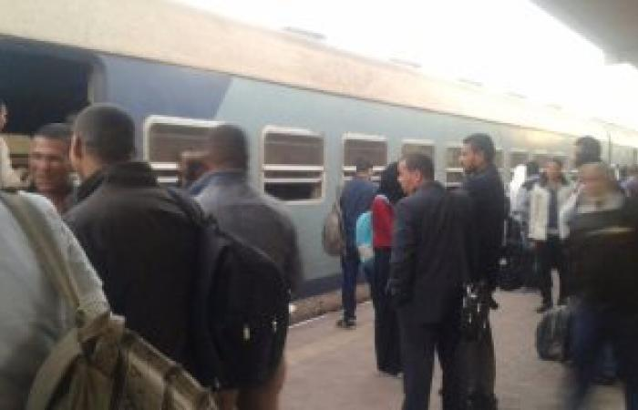 انتظام حركة قطارات الإسماعيلية بعد السيطرة على حريق بجرار قطار فى أبو صوير