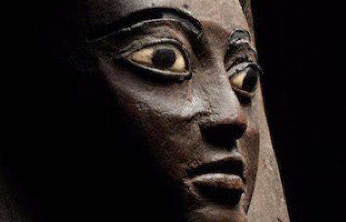 """""""الخارجية"""" تسلم """"الآثار"""" 340 قطعة أثرية مستردة من الأردن"""