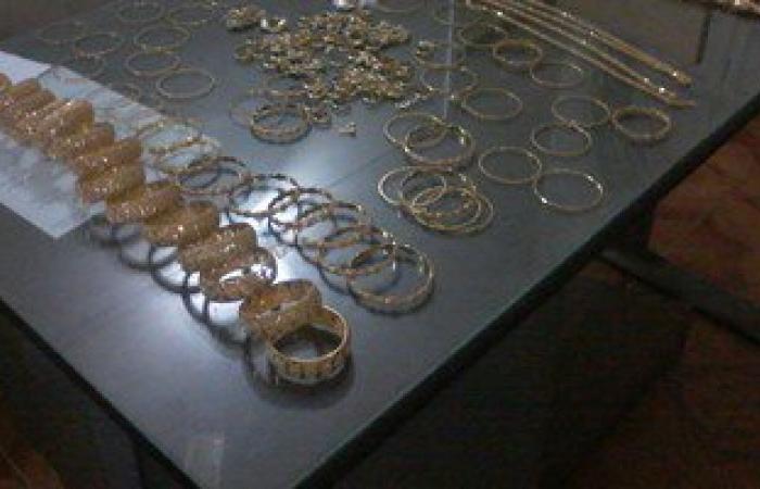 أمن قنا يضبط طالبين أثناء بيعهما 650 جرامًا من الذهب