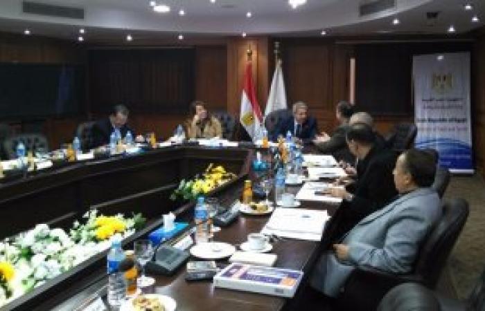 وزير الرياضة يجتمع بصندوق التمويل الأهلي بحضور غادة والى