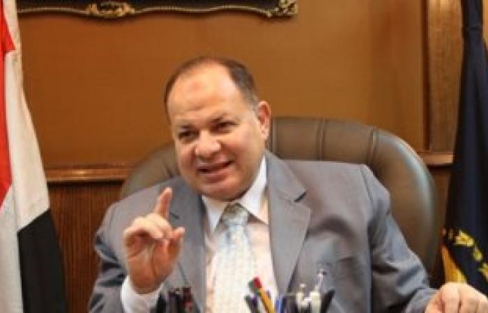 القبض على عاطل بحوزته 350 زجاجة خمور و400 قرص مخدر فى الإسماعيلية