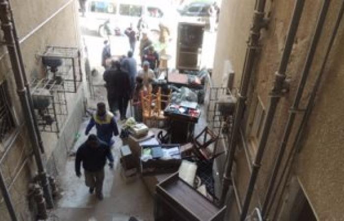 بالصور.. إخلاء 4 وحدات سكنية من واضعى اليد خلال حملة بأسوان