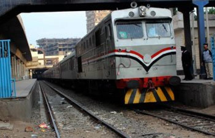 رئيس السكة الحديد: حركة قطارات قبلى تنتظم اليوم بعد إصلاح قضبان بنى سويف