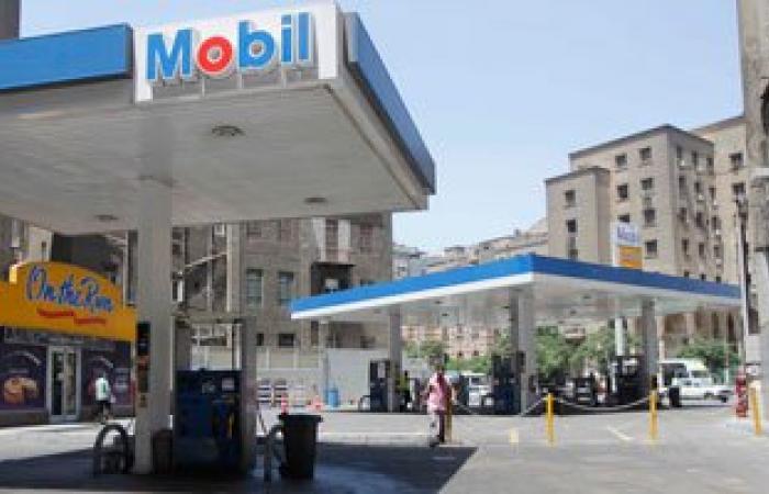 """نائب رئيس هيئة البترول لـ""""على هوى مصر"""": لم نصدر قرارا بتشغيل كروت البنزين"""