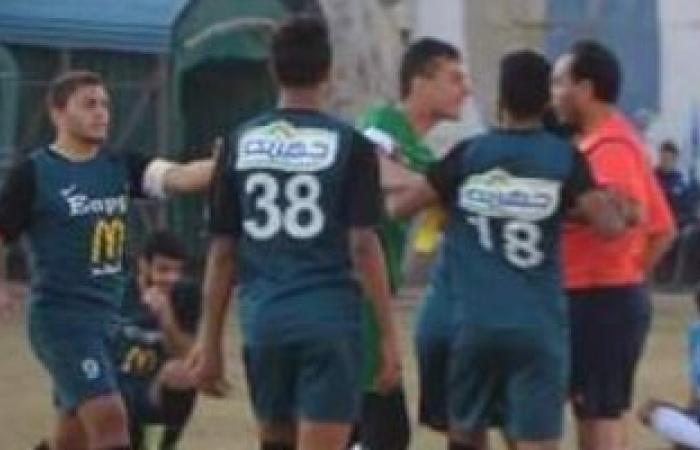 بالصور.. شباب إنبى يحاولون الاعتداء على الحكم بعد التعادل مع المحلة