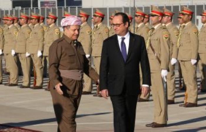 بالصور.. رئيس إقليم كردستان العراق يستقبل هولاند لدى وصوله مطار أربيل