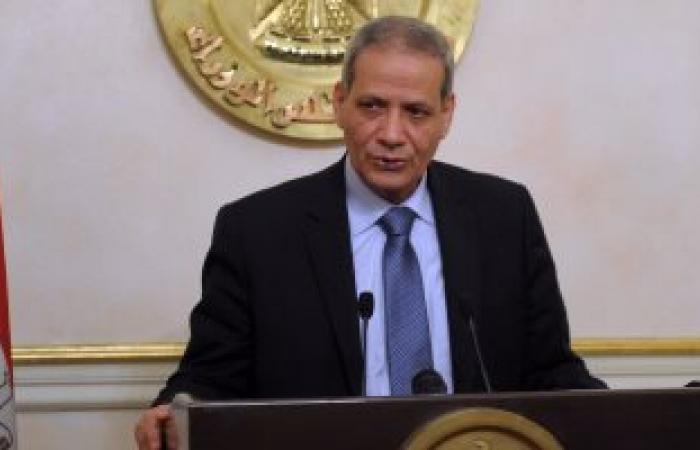 """وزير التعليم يكرم  الطالب """"مبتكر مصر الأول"""" صاحب اختراع """"الكرسى المتحرك"""
