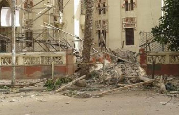 بالصور..انهيار مئذنة مسجد ابن خلدون الأثرى بالإسكندرية بسبب الطقس السيء
