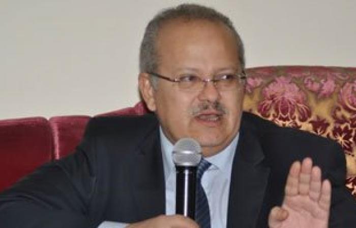 نائب رئيس جامعة القاهرة: الكليات تضع الامتحانات بمعايير علمية لا سياسة فيها