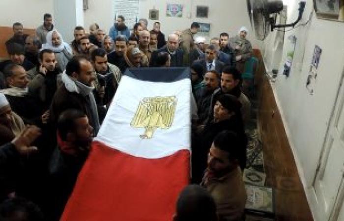 بالصور.. أهالى شبين القناطر يشيعون جثمان شهيد العريش بمشاركة مدير الأمن