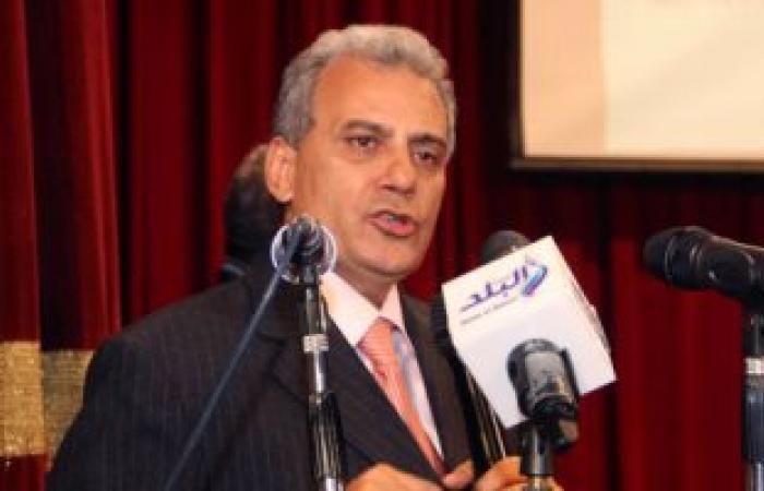جابر نصار يستبعد أستاذا من أعمال الامتحانات بعد اتهامه بالتحرش بطالبة