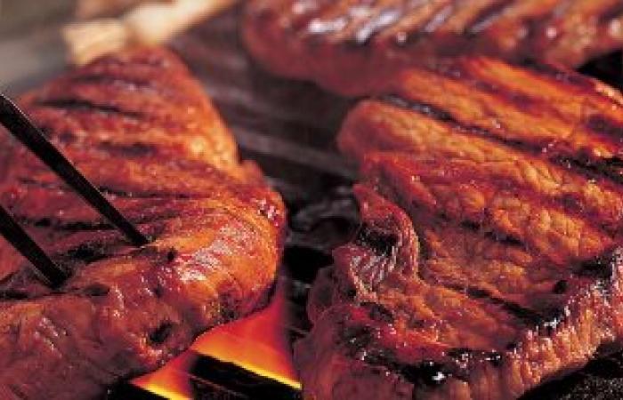 دراسة تحذر: اللحوم الحمراء تتسبب الإصابة بالتهابات الأمعاء