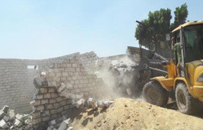تحرير 30 محضر وإزالة 10 حالة تعد على الأراضى الزراعية بالمنيا
