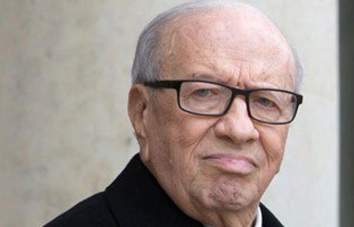رئيس تونس يبحث مع وزير خارجيته نتائج اجتماع دول الجوار الليبى فى القاهرة