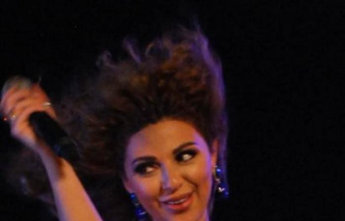 بالصور....ميريام فارس تلهب الدنيا رقصا و غنائا لكأس العالم تحت سفح الهرم