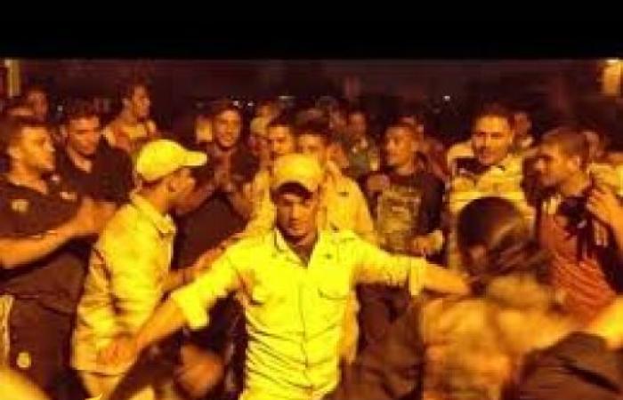 فيديو مسرب .. حفلة رقص لعساكر الجيش المصري داخل مركز تدريب