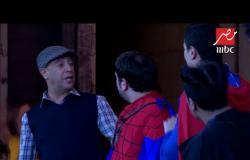"""نجوم مسرح مصر يغنون """"اللي يفرط في تراب بلده ...ده لا سوبر ولا مان"""""""