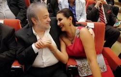 شاهد| وفاء عامر تغازل زوجها محمد فوزي