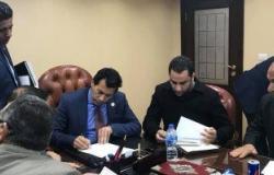 النائب أحمد على يلتقى وزير الشباب والرياضة لإنهاء أزمة ملاعب المرج وبركة الحاج