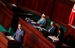 رئيس الوزراء التونسي: الإضراب مكلف والحكومة لا يمكنها تقديم المزيد