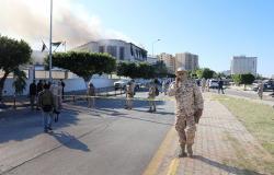 رئيس هيئة الدستور الليبية: اشتباكات طرابلس تنسف أي اتفاق سياسي وتهدد الانتخابات