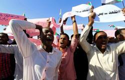 """""""تحسسوا رقابكم""""... تهديد جديد بـ""""قطع الرؤوس"""" في السودان (فيديو)"""