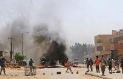 فصيلان جديدان في السودان يعلنون الإضراب العام وهيئة العلماء تدعو البشير للعدل
