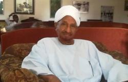 """وزير الإعلام السوداني: نتوقع من الصادق المهدي """"مبادرة"""" لإنهاء الأزمة"""