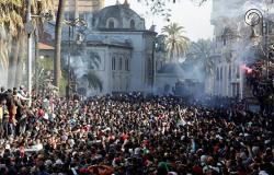 المحامون الجزائريون يقررون تعليق العمل القضائي احتجاجا على ترشح بوتفليقة