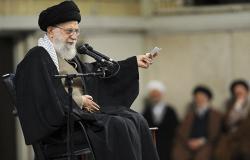 خامنئي يهدد السعودية للمرة الأولى بالنووي... مفاعلكم وصواريخكم في أيدي هؤلاء
