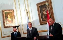 لافروف وشكري يوجهان دعوة عاجلة إلى أطراف الصراع في ليبيا... ويحذران