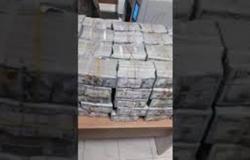 العثور على 20 مليون دولار بخزينة البشير في السودان (فيديو)