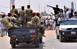 رئيس المجلس العسكري الانتقالي السوداني يتلقى اتصالا هاتفيا من الرئيس الكيني