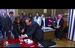 الأخبار - الرئيس السيسي يدلي بصوته في الاستفتاء على التعديلات الدستورية