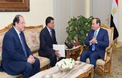 """السيسي يتلقى رسالة من """"البرهان"""" ويؤكد دعم مصر غير المشروط للسودان"""