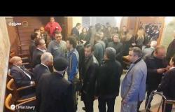 حكيم وخالد جلال وحماقي في عزاء والدة هشام عباس