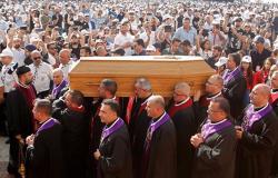 تحركات رسمية بعد إهانات وجهت إلى البطريرك صفير أشعلت لبنان