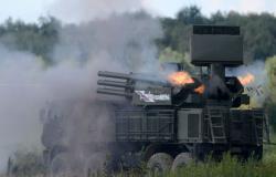 اللقطات الأولى لتصدي الدفاعات الجوية السورية لأهداف إسرائيلية