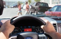 فورد تساعد السائقين في القيادة بأمان على الطرق