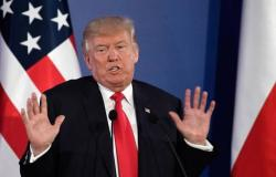 ترامب يعرب عن حزنه لاستقالة ماي ويعتزم لقاءها الشهر المقبل