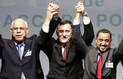 محلل ليبي: السراج يريد البقاء في السلطة بأي شكل ولا يملك إلا مشروع تقسيم ليبيا