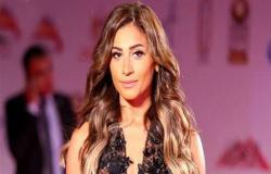 """دينا الشربيني: عمرو دياب دعمني في """"زي الشمس"""".. وتوقع نجاحه"""