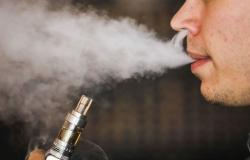 """منتدى """"النيكوتين"""": السجائر الإلكترونية أكثر أمانًا بنسبة 95% من العادية"""