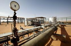 ليبيا... قصف جوي يستهدف مخزن للنفط والغاز ومؤسسة النفط تطالب بوقف فوري لإطلاق النار بطرابلس