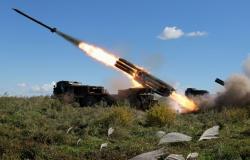 بعد الكمين المحكم... صاروخ سوري ينفجر بالمسلحين أثناء القتال في ريف حماة (فيديو)